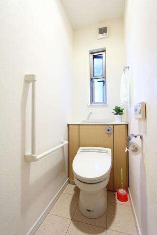 縦のトイレ写真