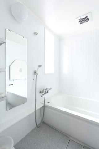 電灯不使用の風呂写真